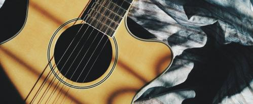 Acoustic Guitar Buying Guide for Beginners