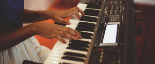 best cheap keyboard pianos