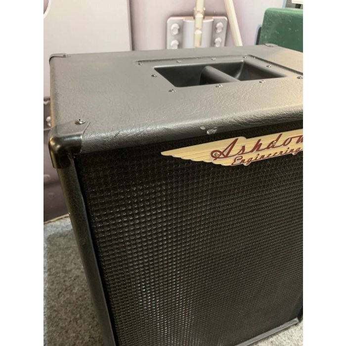 Scuff close up on the Pre-Loved Ashdown RM 210T Evo Bass Cab