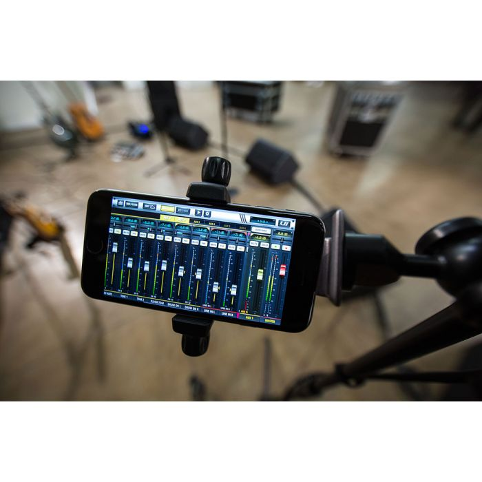 Soundcraft Ui24R Digital Mixer and Multi-Track Recorder WiFi Control from Phone
