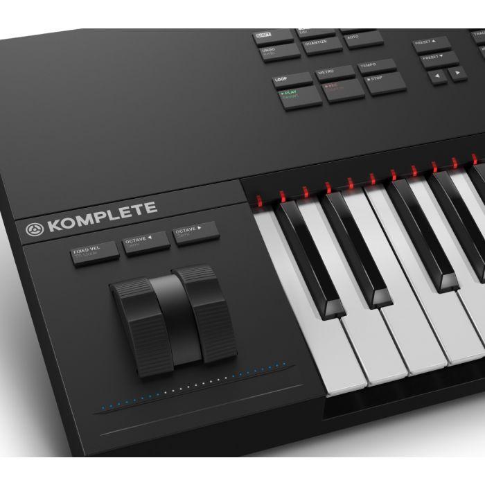 NI Komplete Kontrol S49 MIDI Pitch Bend