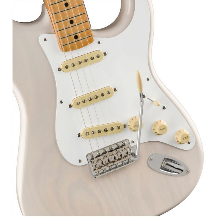 Closeup of the pickups on a Fender Vintera 50S Stratocaster MN White Blonde