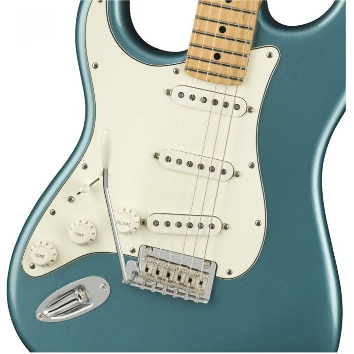 Front closeup view of a Fender Player Stratocaster LH MN Tidepool