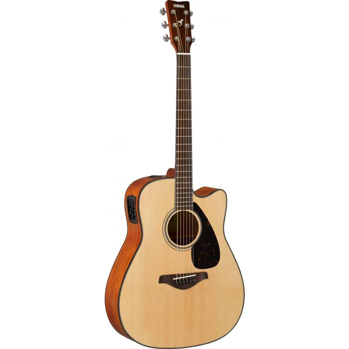 Front view of a Yamaha FSX800C Acoustic in Natural