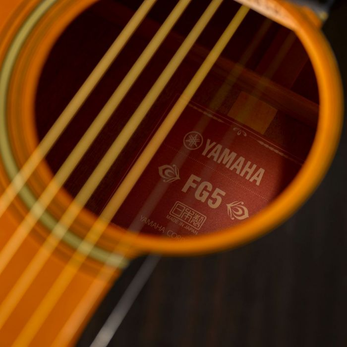 The Titular Red Label of the Yamaha FG5