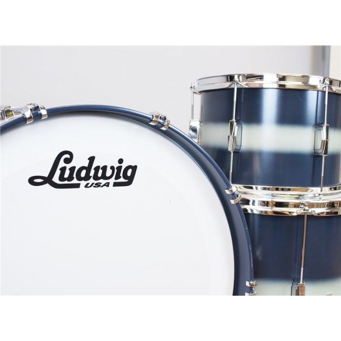 Ludwig Club Date 3 Piece Shell in Silver Blue Duco Close Up