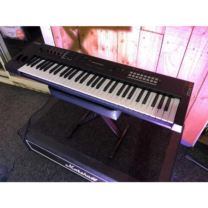 B-Stock Yamaha MX61 Synthesizer