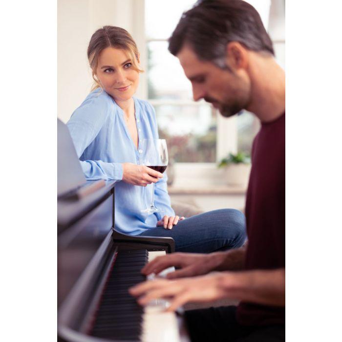 Yamaha CLP-775 Digital Piano Dark Rosewood with Man and Woman