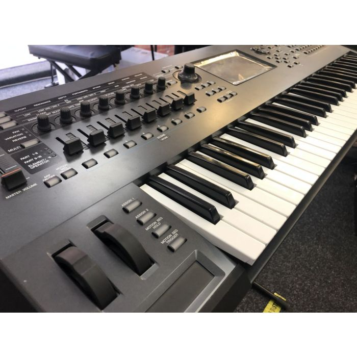 Left Side View of B-Stock Yamaha Montage 6 Synthesizer 61
