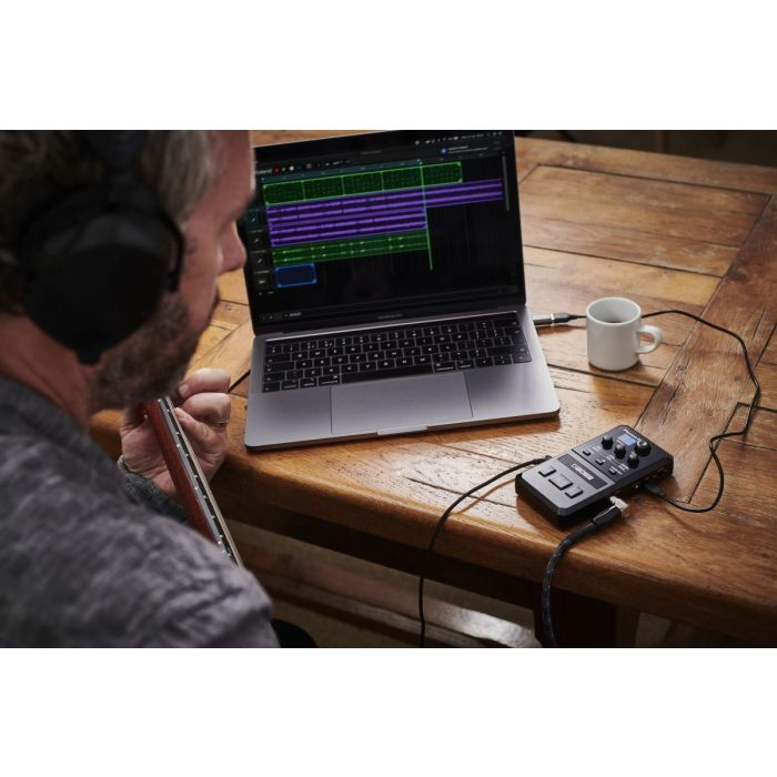 Boss Pocket GT Guitar Processor Connected to DAW