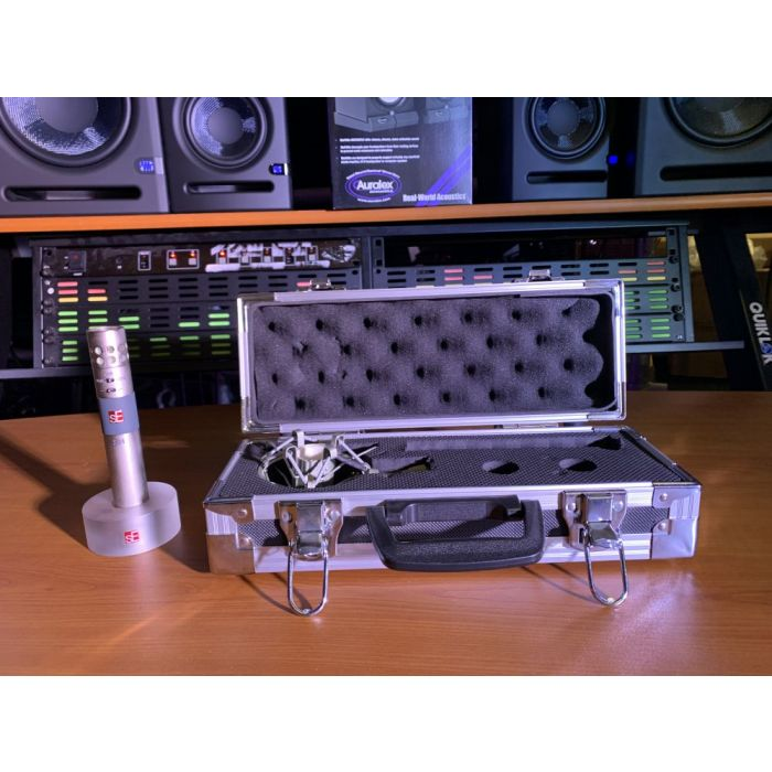 Full view of a B Stock SE Electronics sE4 Condenser Microphone