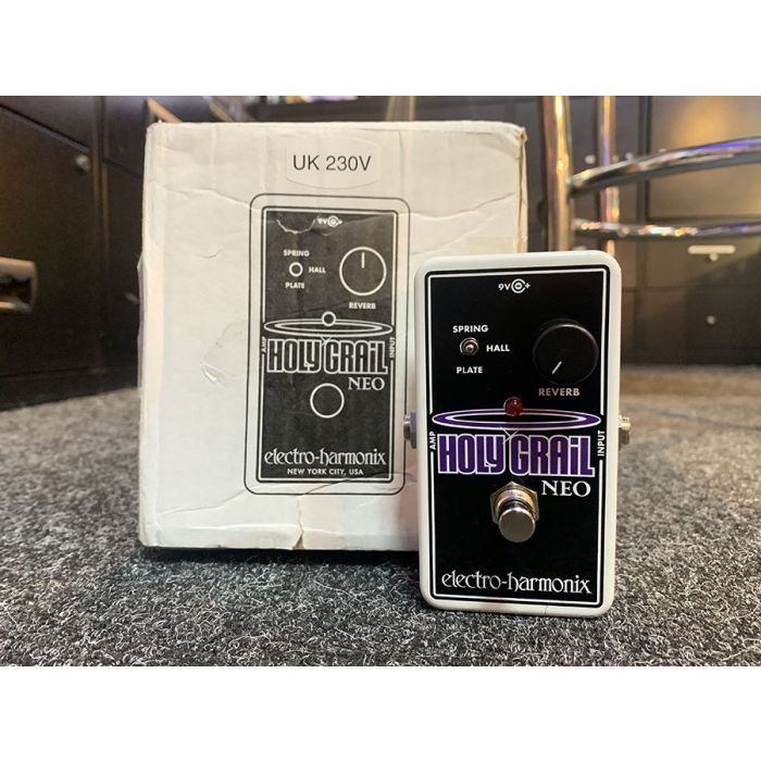B-Stock Electro Harmonix Holy Grail Neo with its original box
