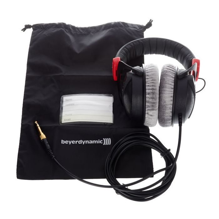 Beyerdynamic DT770 Pro LTD 80 Headphones kit contents