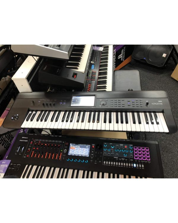 B-Stock Korg Krome 61 Synthesizer Workstation