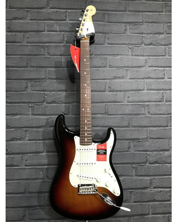 B-Stock Fender American Pro Stratocaster RW 3-Colour Sunburst