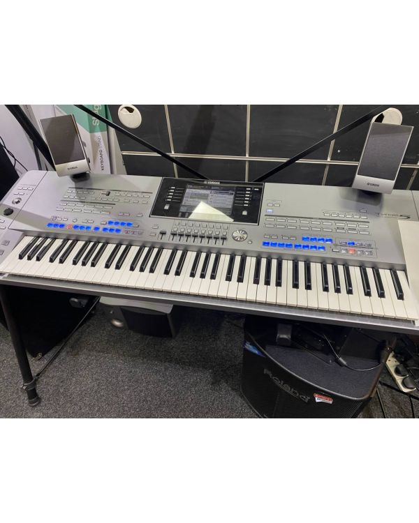 Pre-Loved Yamaha Tyros5 76 Performance Keyboard with Speakers